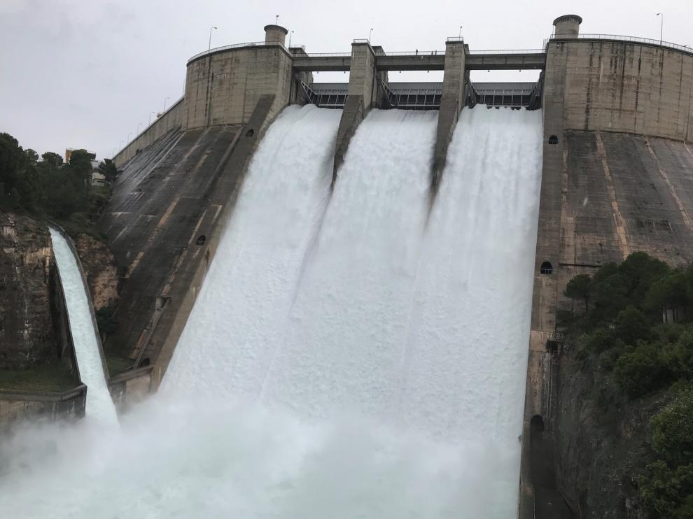 La CHE licita el servicio de gestión de la seguridad de presas por 701.058 euros
