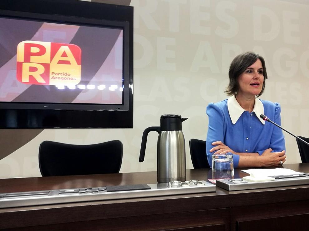 Elena Allué critica la paralización del convenio para ampliar los taxis adaptados y eléctricos