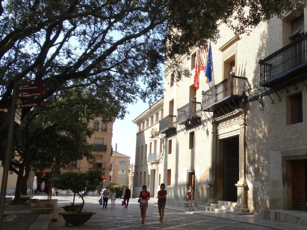 El ayuntamiento de Huesca reabre el lunes con aforo limitado y cita previa