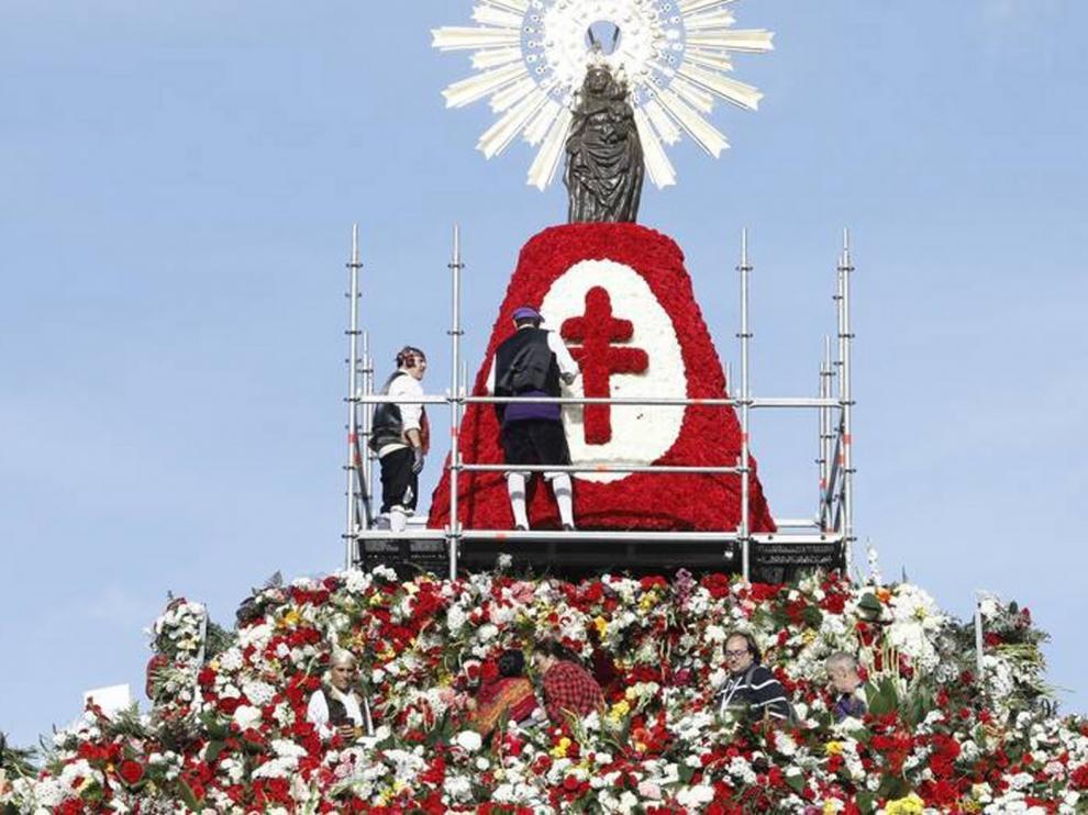 Se suspende la ofrenda de flores del día del Pilar en Zaragoza