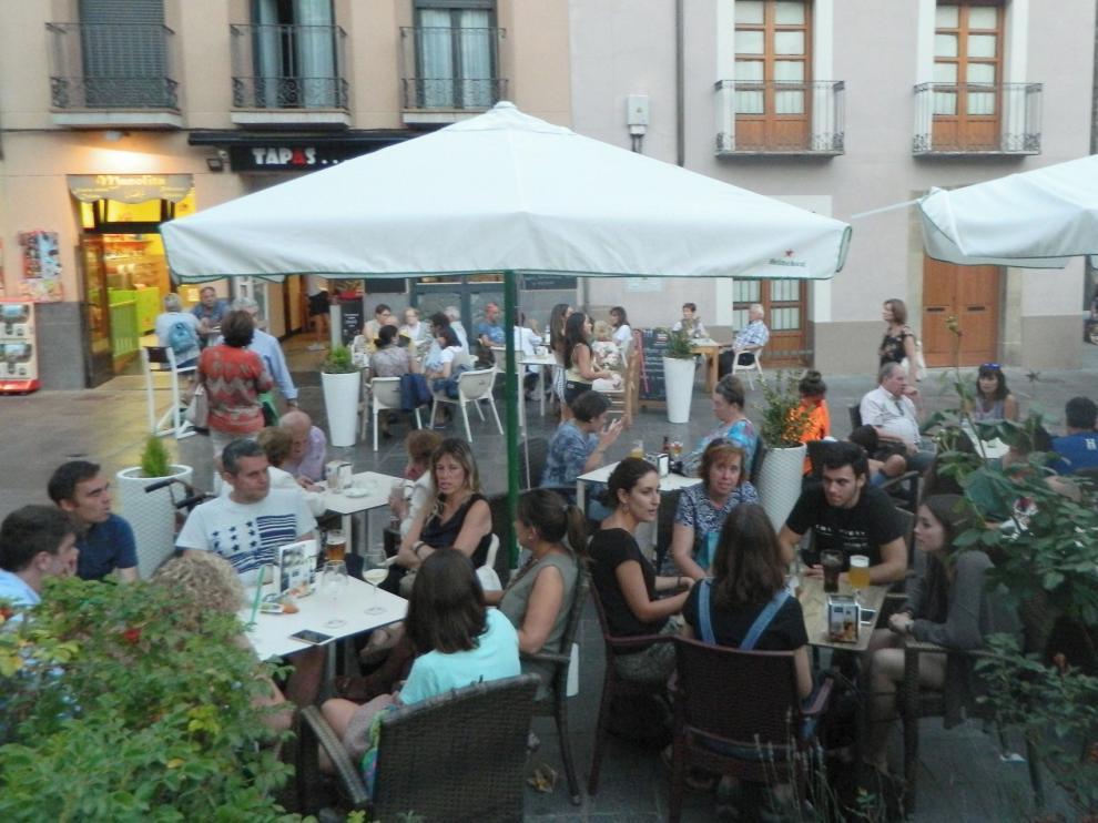 Jaca elimina la tasa de ocupación de las terrazas