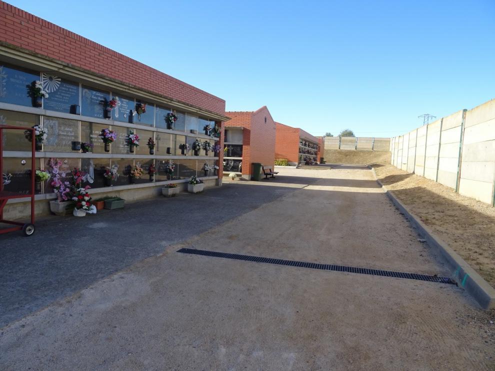 El Ayuntamiento invertirá más de 41.000 euros para mejorar las condiciones del pavimento del Cementerio