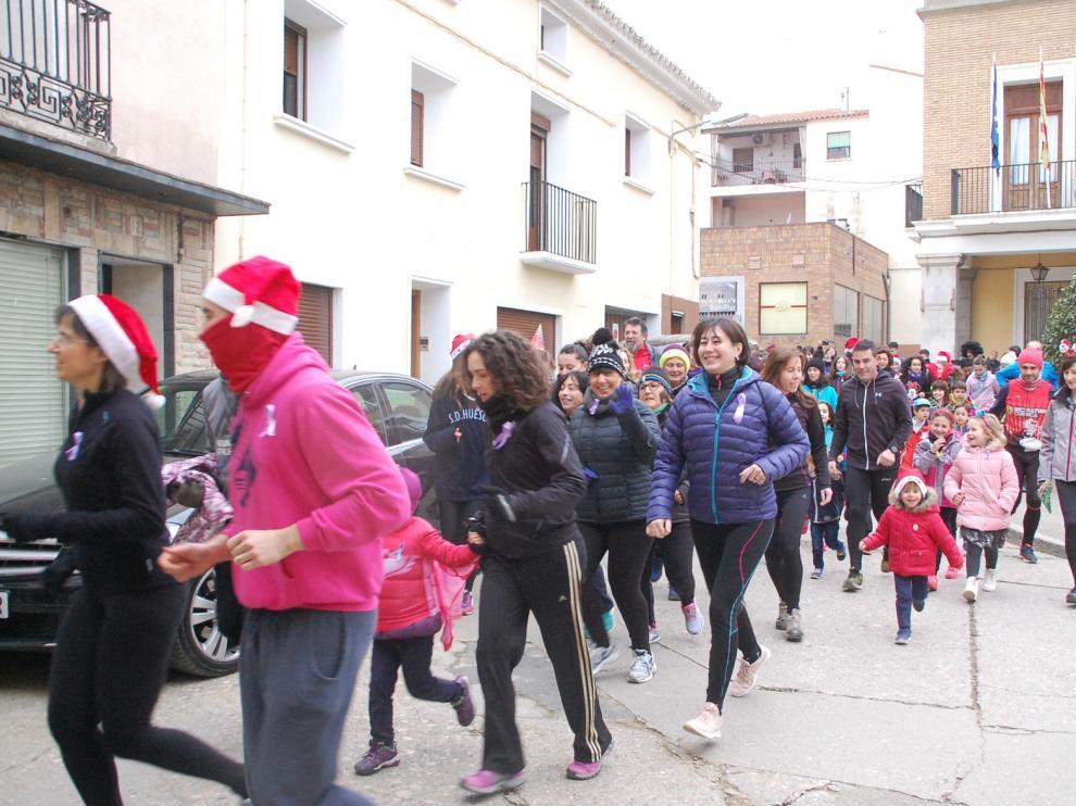 Casi trescientos sariñenenses participan en la XI Carrera de San Silvestre