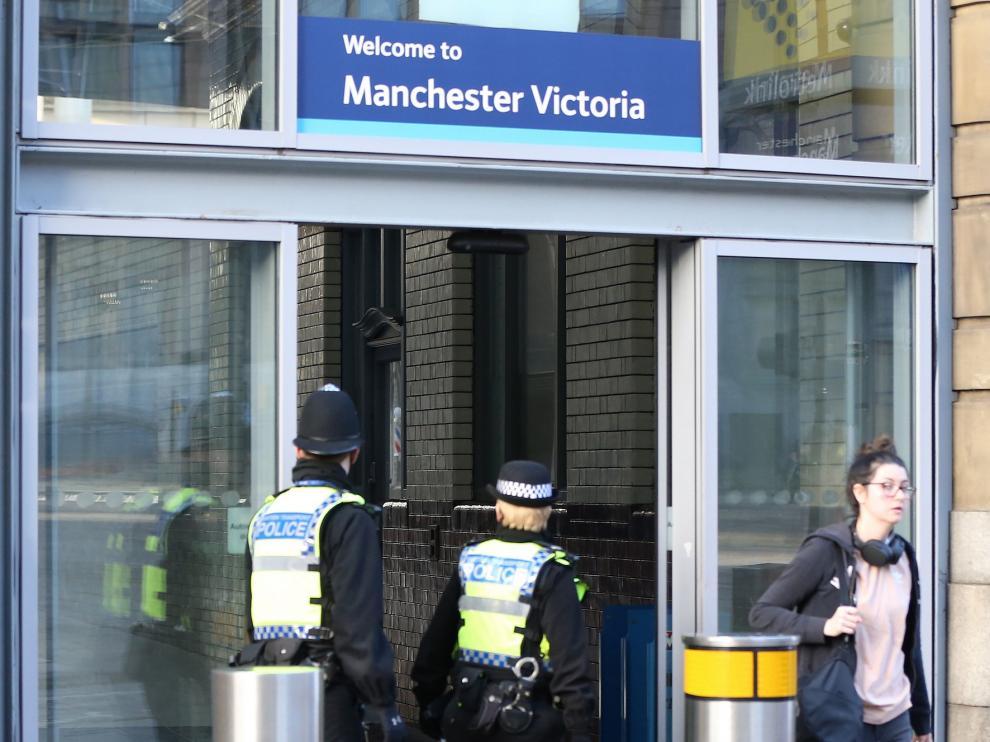 Un apuñalamiento en Manchester, investigado como un acto terrorista