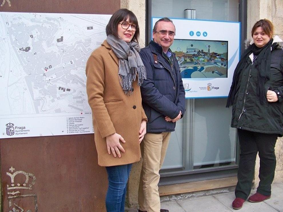 Fraga estrena un punto digital de información turística