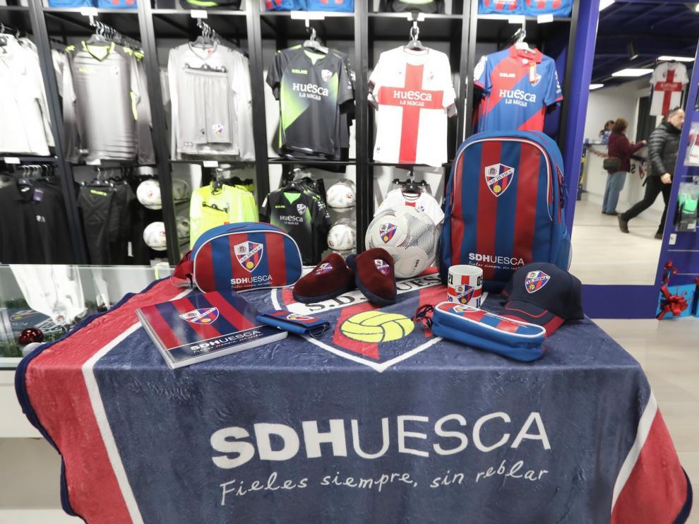 El Huesca supera las 8.000 camisetas vendidas