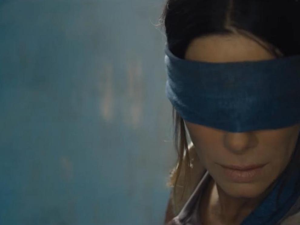 Netflix advierte a sus usuarios de que es peligroso ir con los ojos vendados