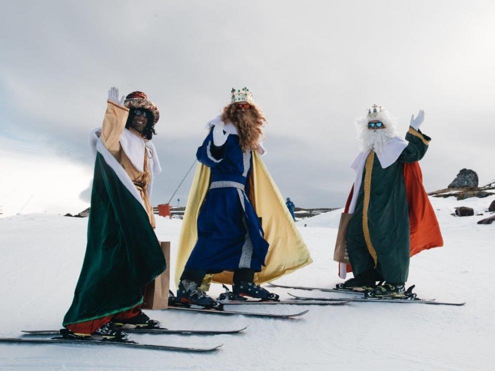 Aramón prepara la visita de Papá Noel y los Reyes Magos estas navidades