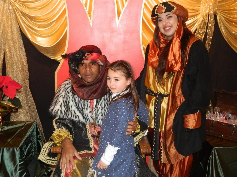 Los Reyes Magos estrenan carrozas en la cabalgata de Jaca