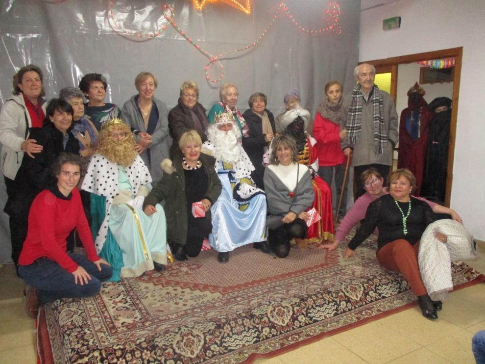 Los Reyes entregan regalos a todos los vecinos de Biscarrués