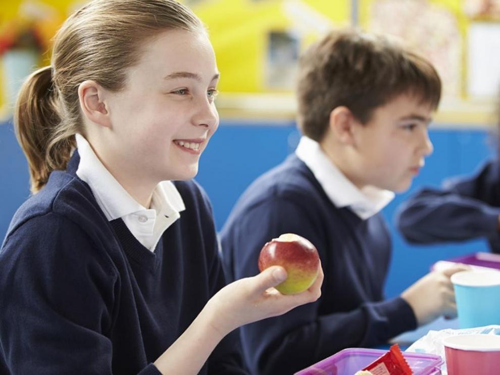 La fruta y la leche llegan a los colegios de Huesca después de Navidad