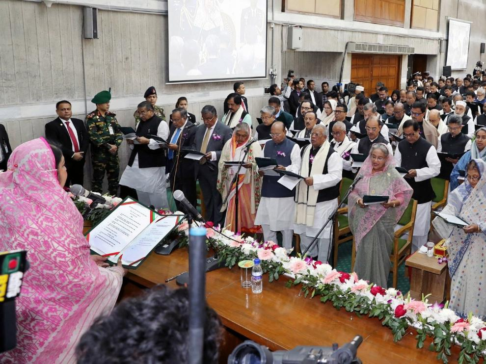 Hasina jura como primera ministra de Bangladesh por tercera vez consecutiva