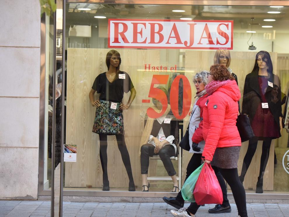 El comercio de Huesca arranca con fuerza las rebajas tras una buena Navidad