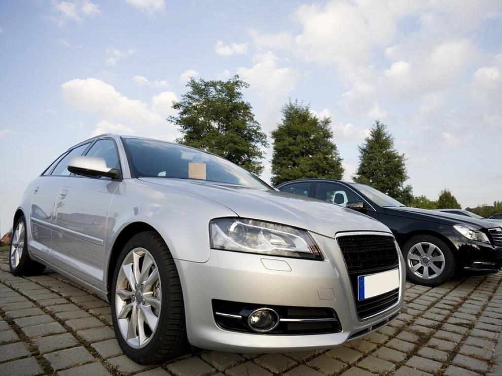 El sector del automóvil bajó sus descuentos un 2,51 % el pasado año