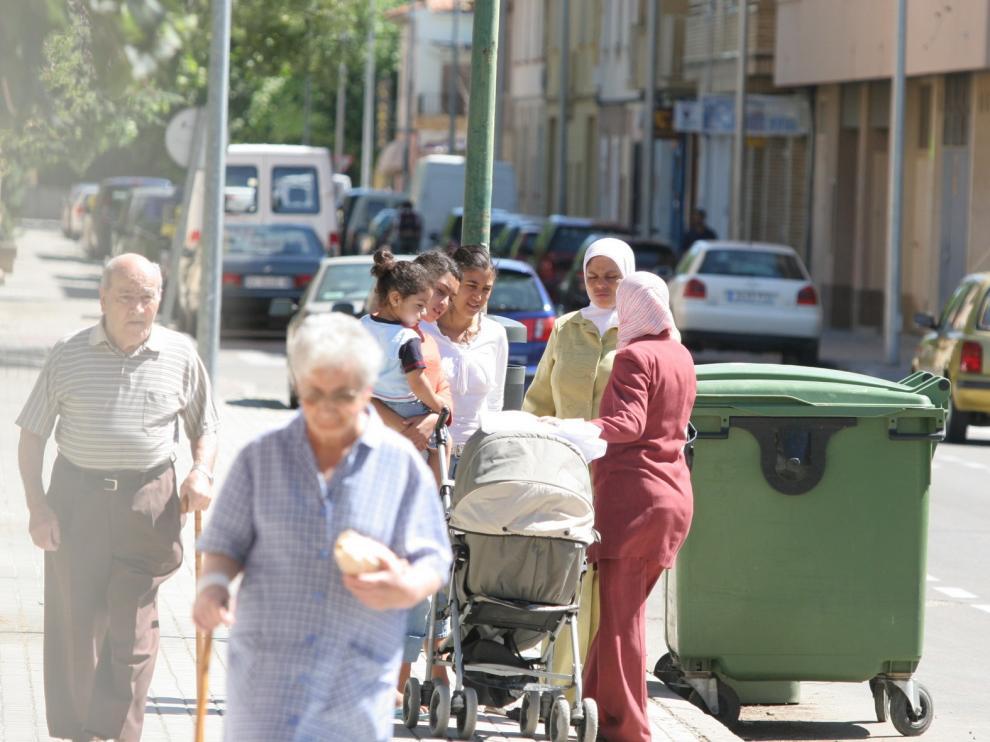Trece nacionalidades tienen más de 100 empadronados en la ciudad de Huesca