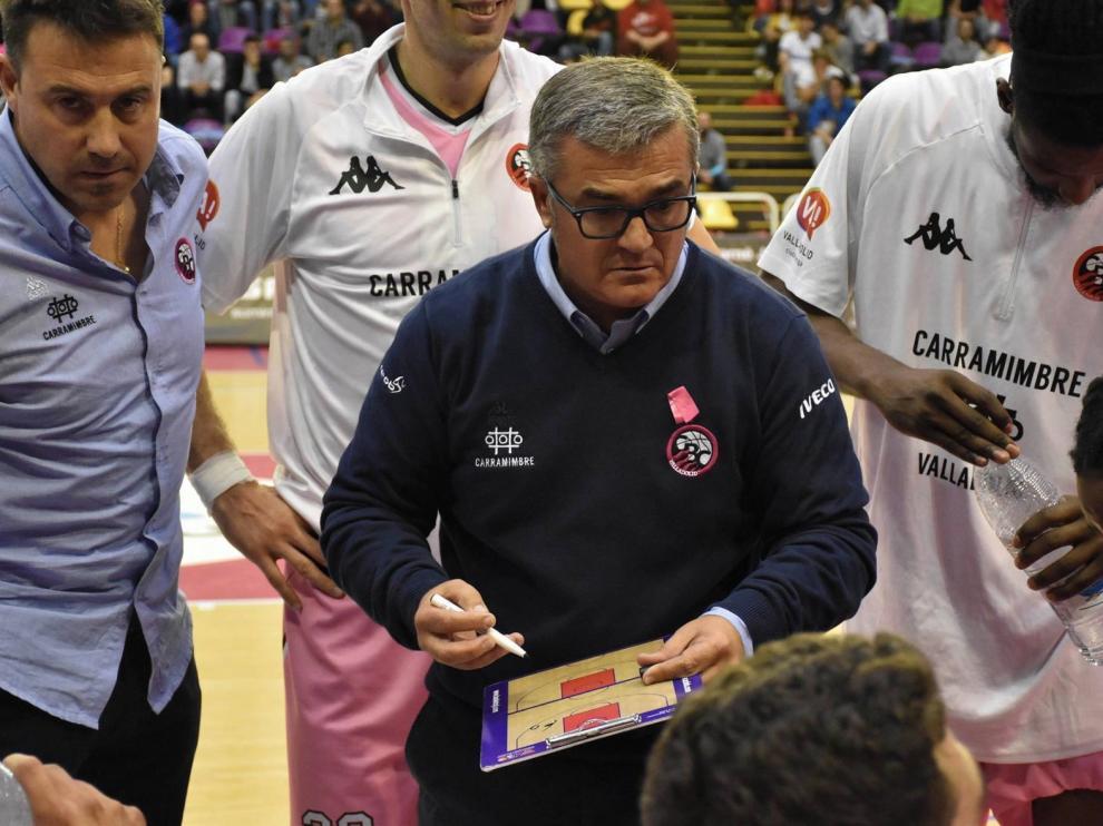 """Paco García: """"Cualquier equipo querría cambiarse por el Peñas"""""""