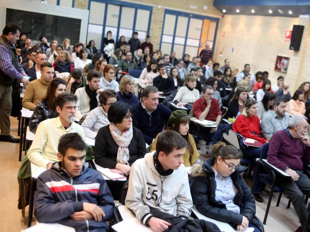 Alumnos de talleres de empleo de Huesca y la Comarca de la Hoya contactan con empresas