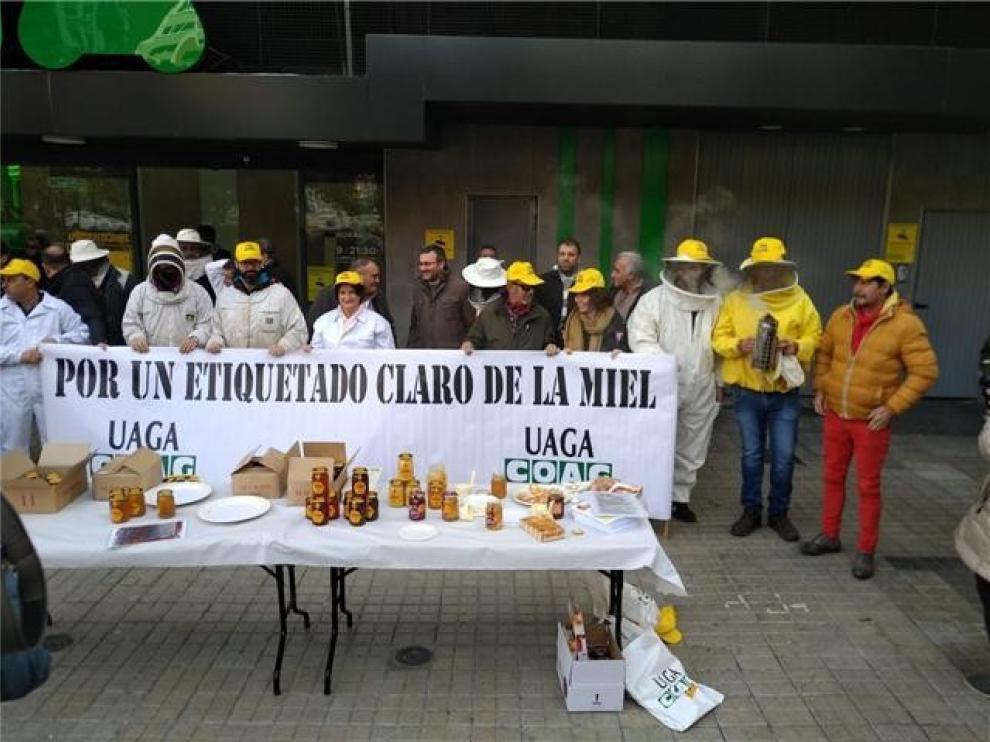 """Consideran """"insuficiente"""" la propuesta ministerial del etiquetado de la miel"""