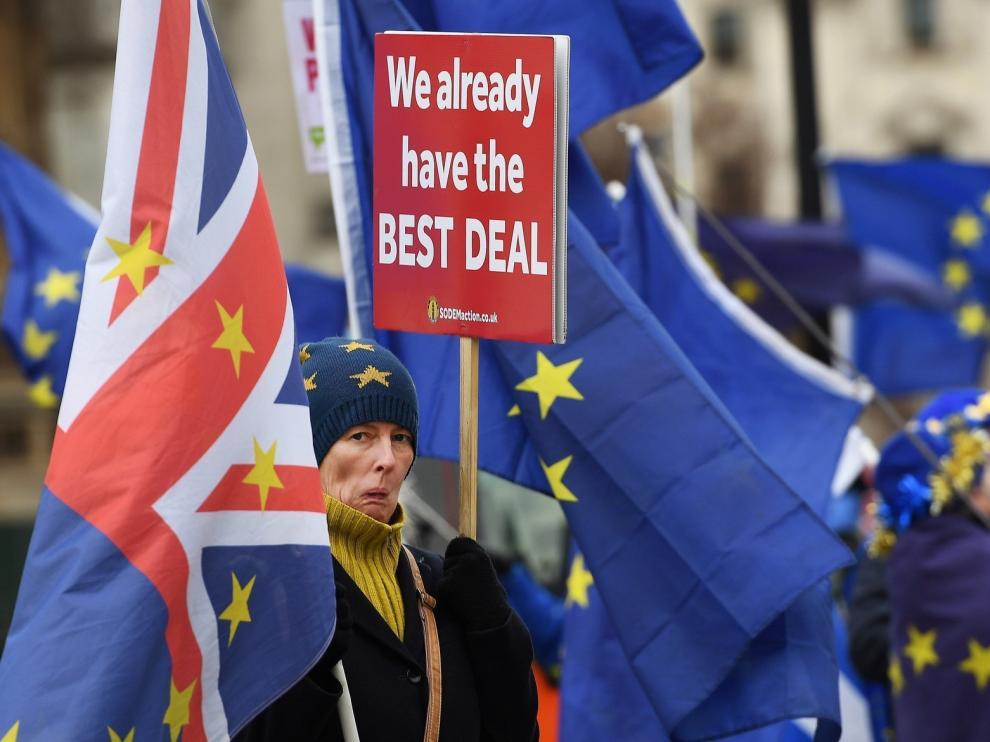 """May accede a presentar un """"plan B"""" del """"brexit"""""""