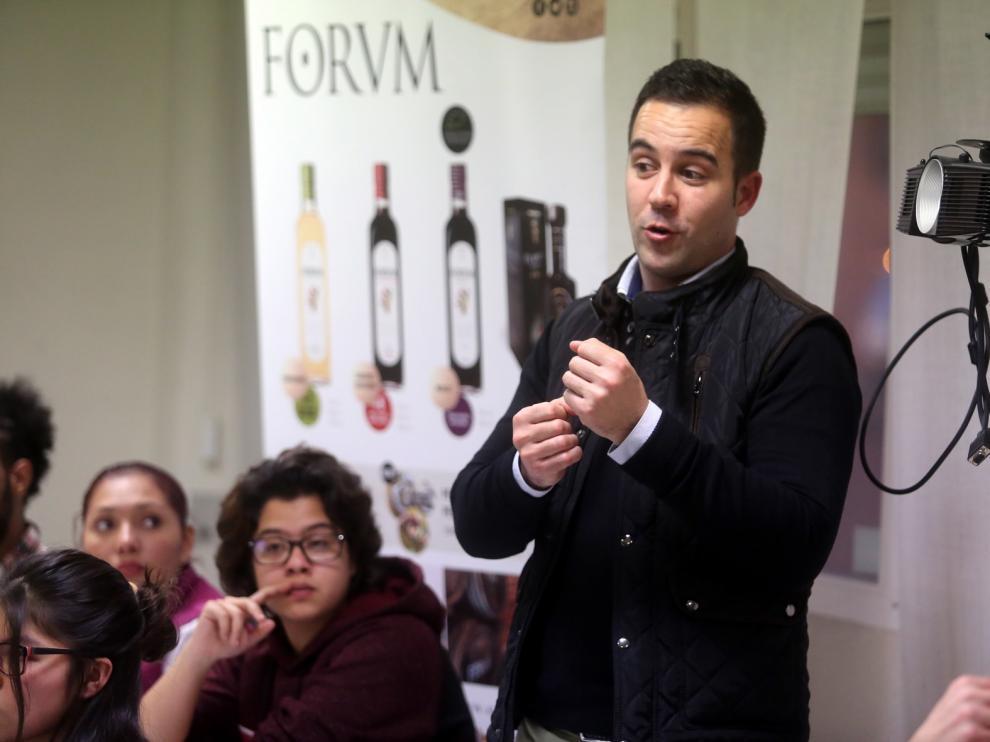 Sustanciosa cata de vinagres en la Escuela de Hostelería de Huesca