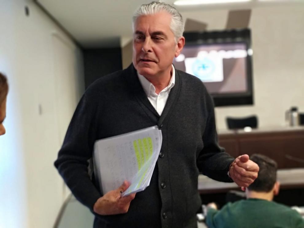 Antonio Suárez sustituirá a Torres en la vicepresidencia de las Cortes