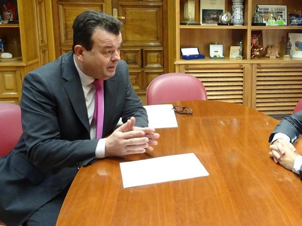 La FAMCP presenta en el Ayuntamiento de Huesca su informe sobre los presupuestos municipales