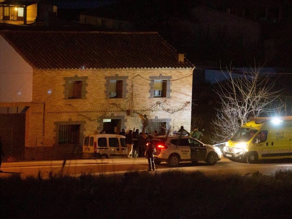 Un hombre mata a su madre y se atrinchera en su casa en Fuentes de Ebro