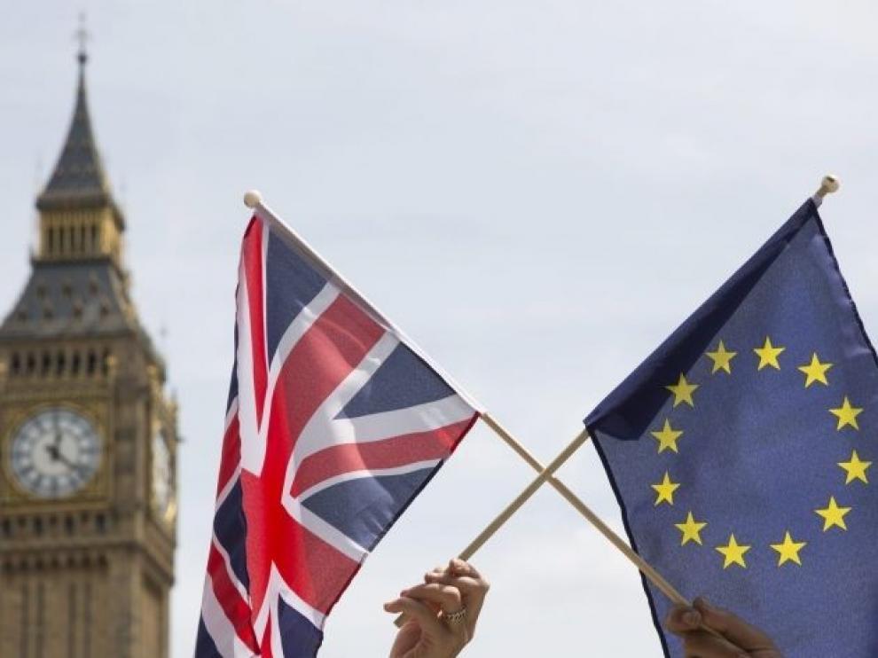 """Rechazar el acuerdo puede paralizar el """"brexit"""""""