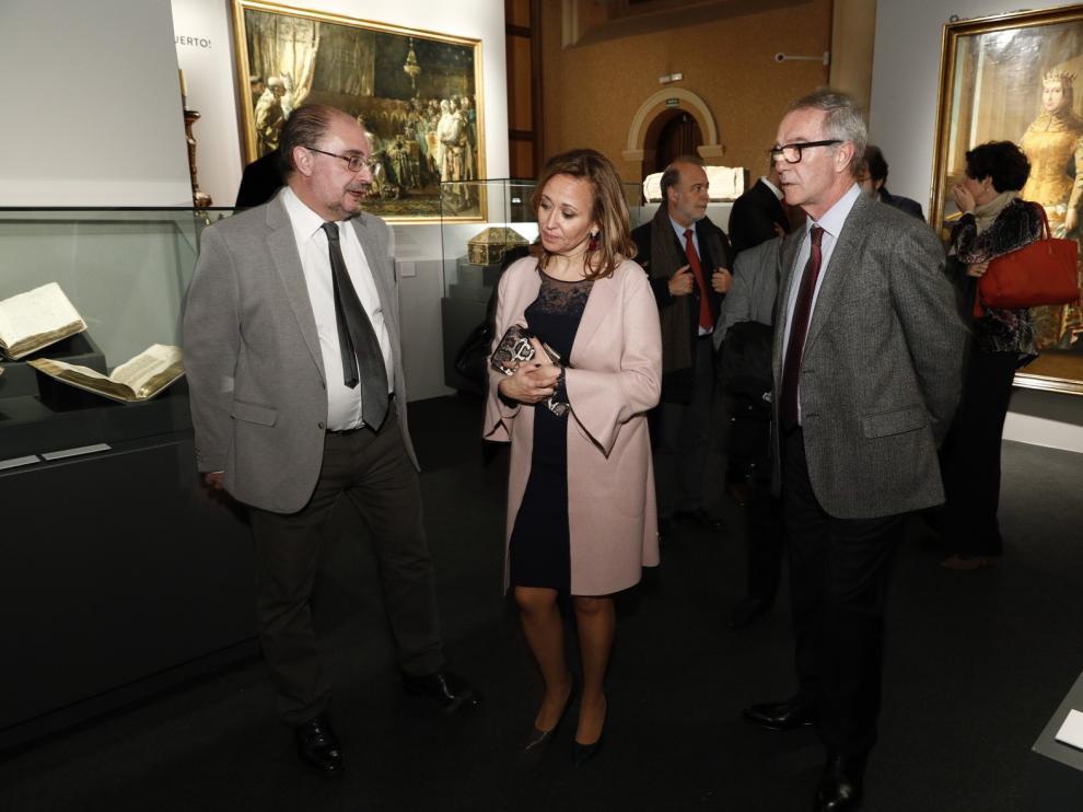 """La exposición """"Panteones Reales de Aragón"""" recibe la visita del ministro José Guirao"""