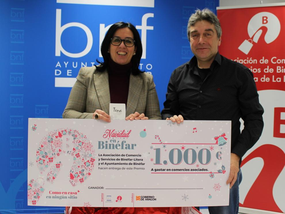 Una barbastrense gana el premio del sorteo navideño de Binéfar