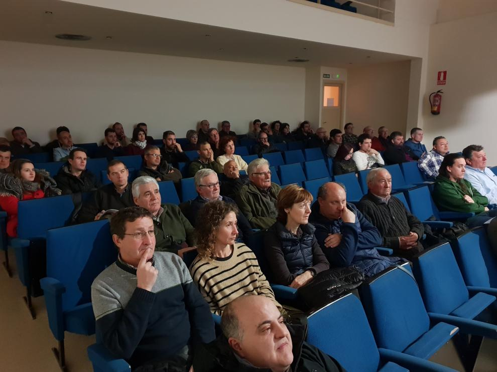 El público respalda las charlas previas al Mercado de la Trufa de Graus