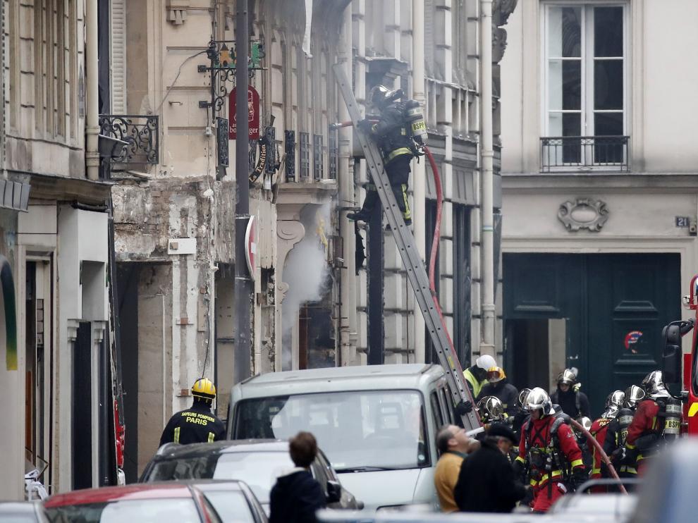Una española muere en una explosión de gas en el centro de París