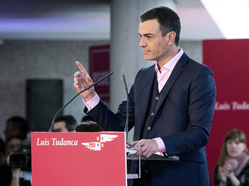 Sánchez pide al PP y Cs que se abstengan o voten a favor