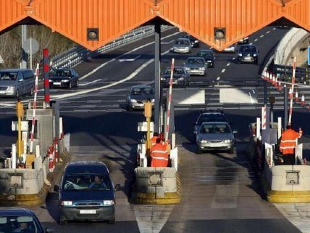 Bajan los peajes de ocho de las nueve autopistas rescatadas