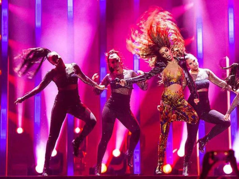 """El candidato de Eurovisión llega en una semana muy """"seriéfila"""""""