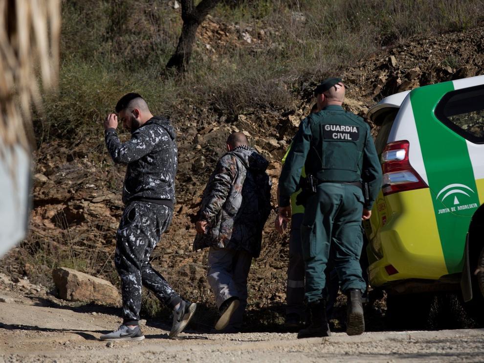 Extraen por succión tierra del pozo donde cayó el niño en Málaga