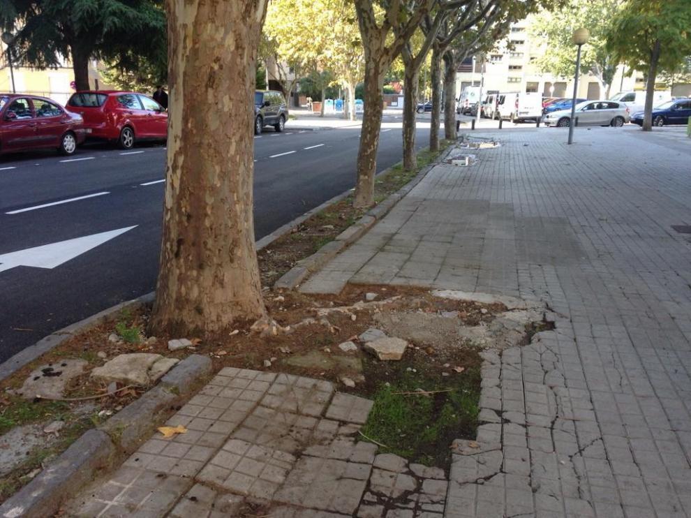 El barrio de María Auxiliadora de Huesca critica los 45 días de parón en las obras