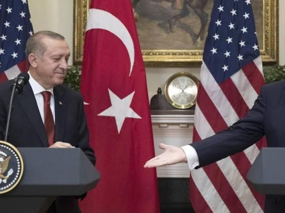 """Turquía asegura que EEUU se retirará """"completamente"""" de Siria"""