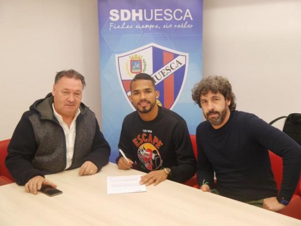 El Huesca confirma el fichaje de Yangel Herrera