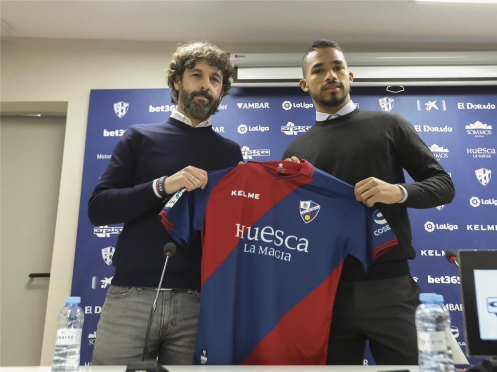 """Yangel Herrera dice que el Huesca """"ha hecho realidad el sueño de jugar en Europa"""""""