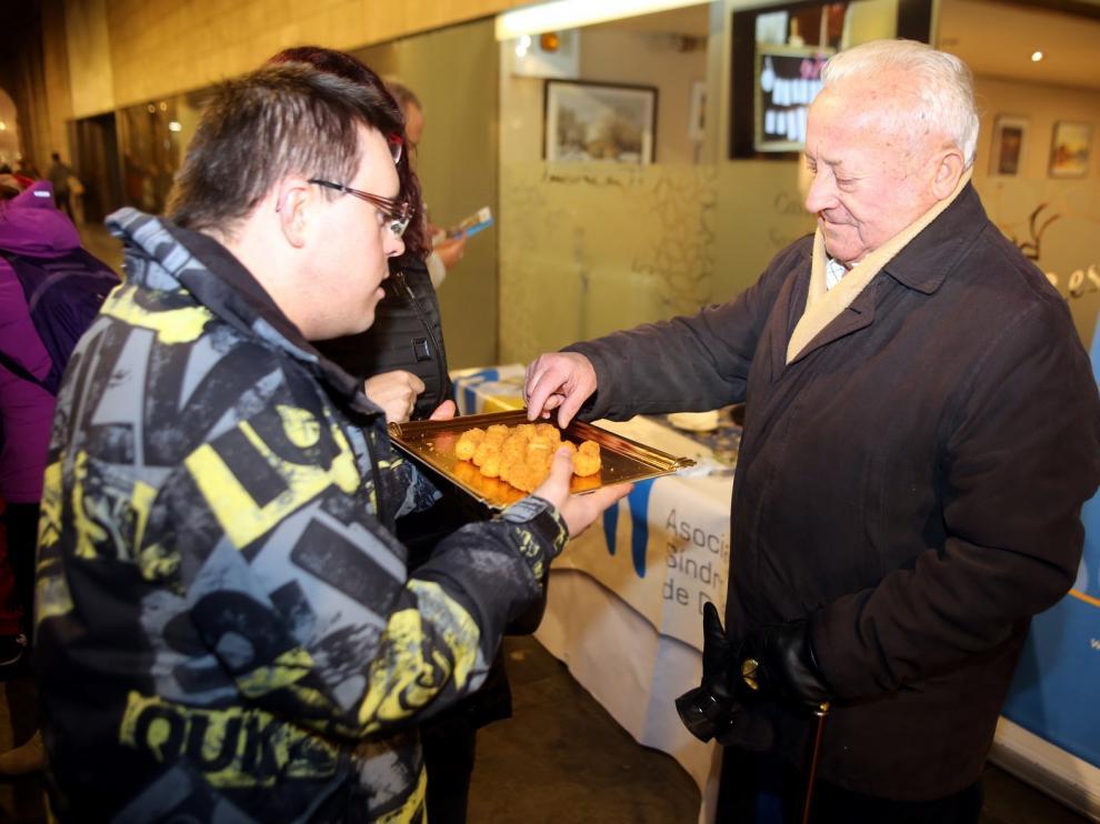 Down Huesca celebra el Día de la Croqueta en la calle