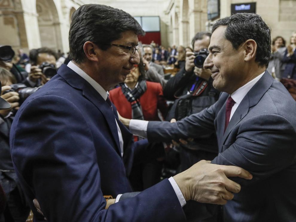 La alianza de PP, Cs y Vox lleva a Andalucía un cambio histórico