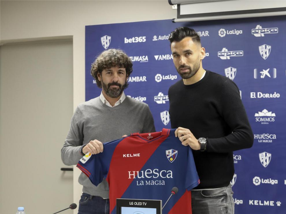 """Enric Gallego, sin miedo al reto de Primera """"y con ganas de ayudar al objetivo del Huesca"""""""