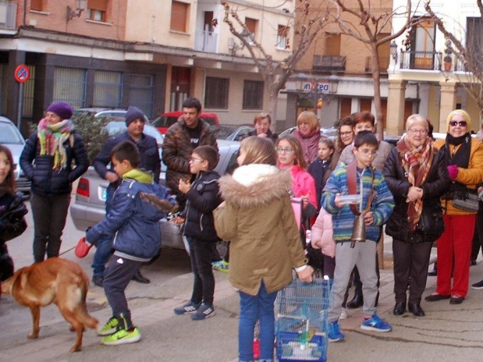 Hoguera y bendiciones a las mascotas en Sariñena