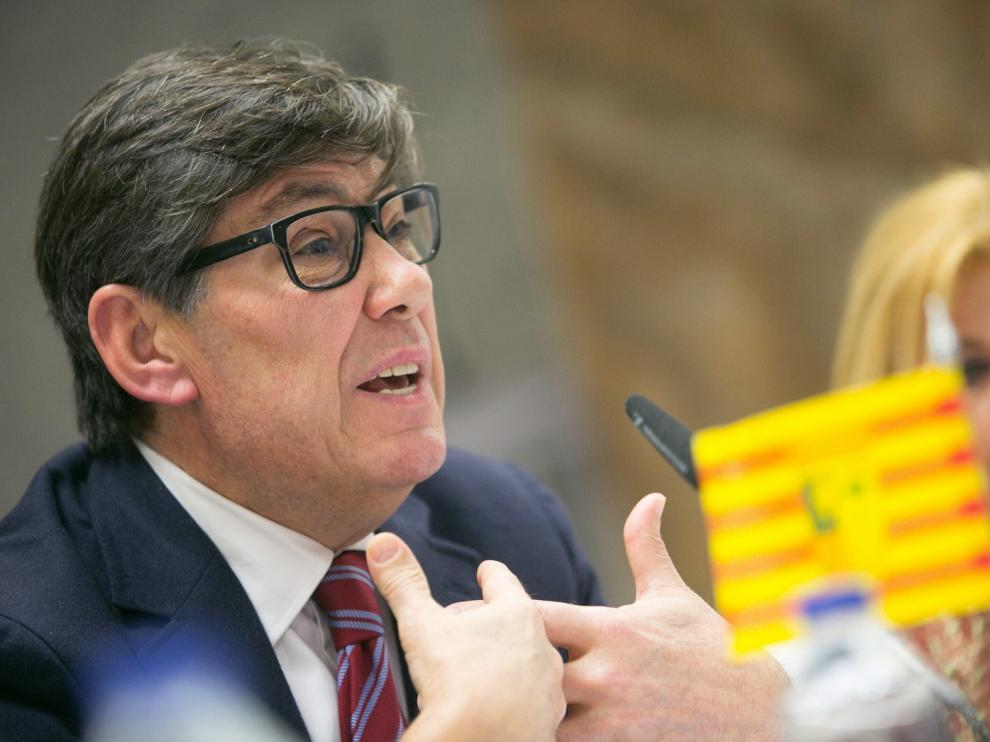 Aliaga carga contra el Gobierno y la DGA por la partida del Canfranc