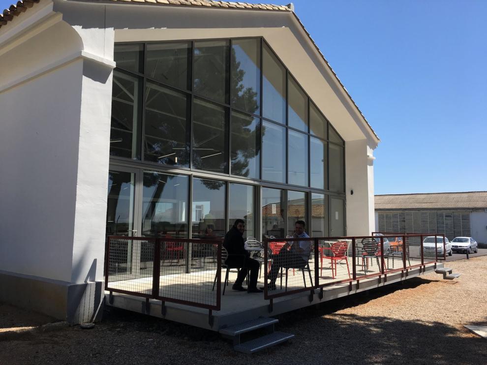 La actividad en el Aeropuerto Huesca-Pirineos aumenta un 22 % en el último año y el número de pasajeros en un 400 %