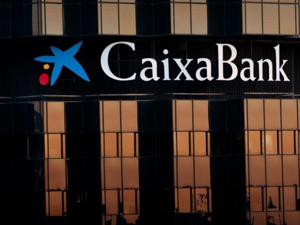 Caixabank no confirma qué oficinas de Huesca se verán afectadas por su plan