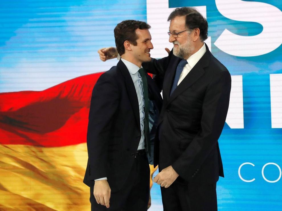"""Rajoy llama al PP a """"mantener sus posiciones y no asustarse"""""""
