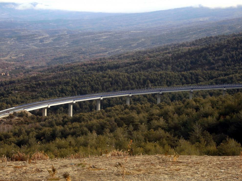 Fomento pondrá en servicio en abril 12 kilómetros de la autovía A-23 entre Arguis y Lanave