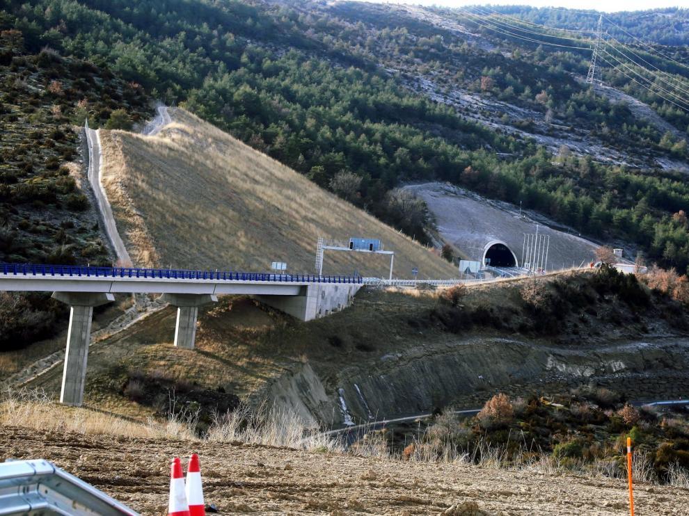 Fomento abrirá en breve 12 kilómetros de autovía y tres túneles en Monrepós